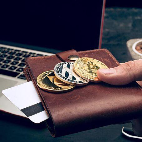 La percezione del denaro: contante, cashless e criptovalute
